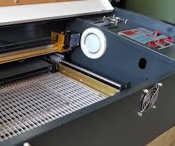 mesin pemotong akrilik