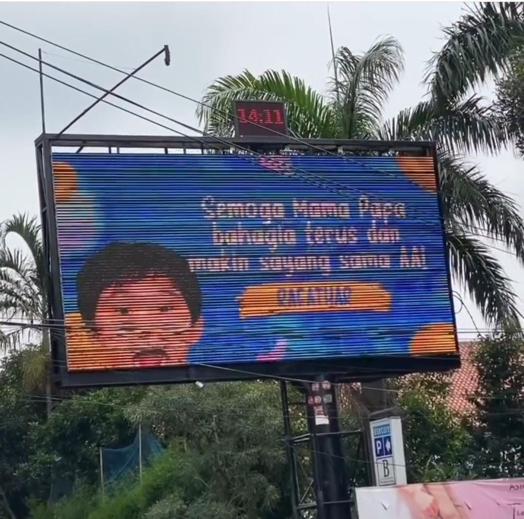 billboard unik untuk ucapan ulang tahun
